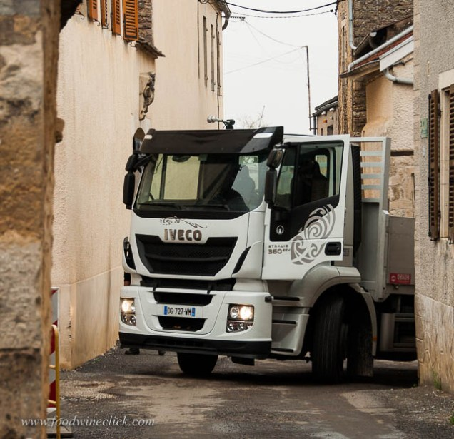 Tiny bourgogne towns present some driving challenges. That driver is NOT going to make that turn.