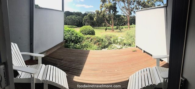 Polperro Villa accommodation mornington balcony