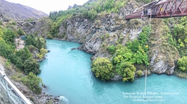Kawarau Bridge Bungee jump, Queenstown