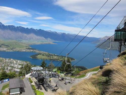 Queenstown hill gondola cable car