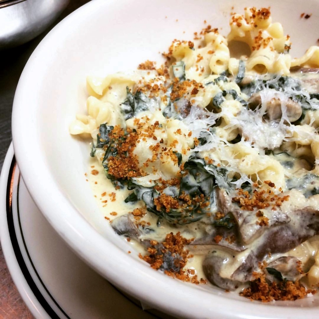 Pasta with spinach mushrooms and bread crumbs | 100 Steps on foodwithaview.com | photo by localrootscranford