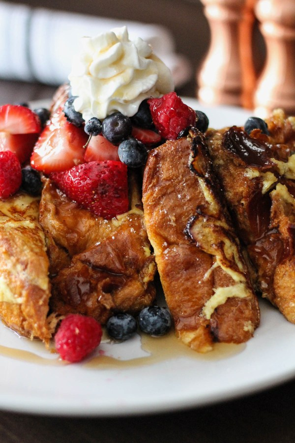 French Toast with fresh berries and cream | The Hills Tavern Millburn NJ | Best NJ Brunch Restaurants on foodwithaview.com