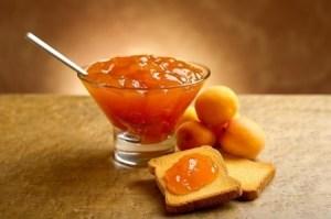 Apricot Jam. Copyright: marcomayer / 123RF Stock Photo