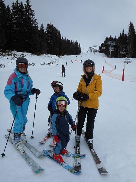 Three generations ski together