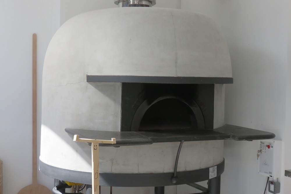 O ver pizza oven
