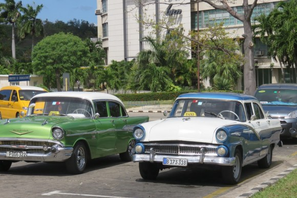 IMG 7514 Havana Classic cars and taxis Revolucion Square