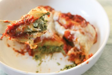 Baked Cannelloni filled with Spinach and Light Cream Cheese Recipe