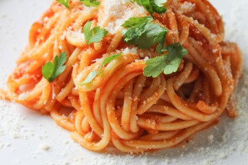 Spaghetti with homemade Oregano Tomato Sauce
