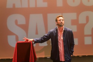 Lee Pace as Joe Macmillan - Halt and Catch Fire _ Season 3, Episode 1 - Photo Credit: Tina Rowden/AMC
