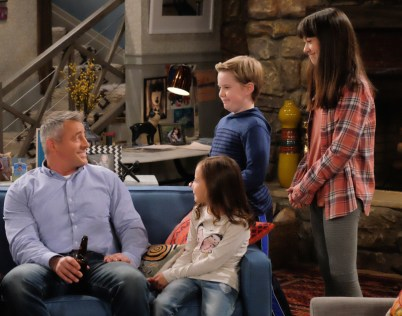 MAN WITH A PLAN stars Matt LeBlanc in a comedy about a contractor who starts spending more time with his kids when his wife goes back to work and discovers the truth every parent eventually realizes: their little angels (portrayed by Grace Kaufman, right; Matthew McCann and Hala Finley) are maniacs. Photo: Darren Michaels/CBS ©2016 CBS Broadcasting, Inc. All Rights Reserved