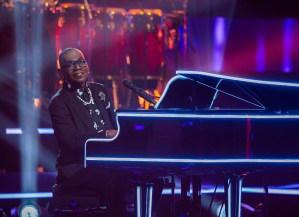 """NAME THAT TUNE: Randy Jackson in the """"Episode 2"""" episode of NAME THAT TUNE airing Wednesday, Jan. 13 (9:00-10:00 PM ET/PT) on FOX. CR: Michael Becker/FOX. © 2021 FOX Media LLC."""