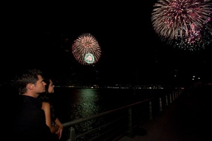 MACY'S FOURTH OF JULY FIREWORKS SPECTACULAR -- Pictured: (l-r) Nick Lachey, Vanessa Minnillo -- Photo by: Heidi Gutman/NBC