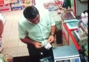 Don't Blink Or You Will Miss It. Man With Fast Hands Made The Cashier Belive He Short Changed Him.