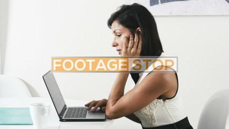 latina-business-woman-skype-stock-video