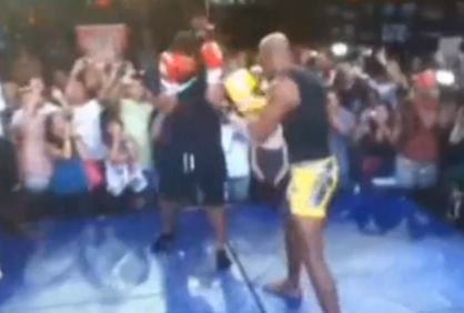 Ronaldo play fights with Anderson Silva before UFC 148 fight against Chael Sonnen in Las Vegas