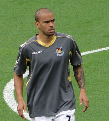 The lesser-spotted Kieron Dyer appearing for West Ham (Img: Egghead06)