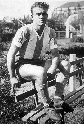Pope Francis, who may have played football with Alfredo Di Stéfano