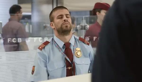 Gerard Piqué in the Qatar Airways Barcelona advert - A Team That Unites The World