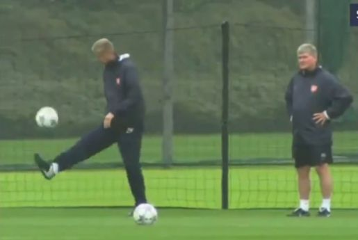 Arsenal manager Arsène Wenger's ball skills