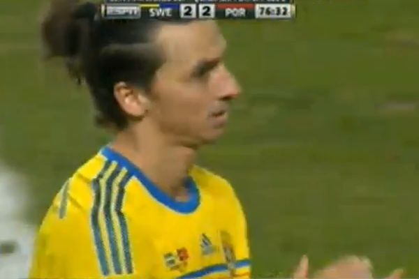 Zlatan Ibrahimović applauds Ronaldo goal after hat-trick for Portugal v Sweden in a World Cup qualifier play-off second leg