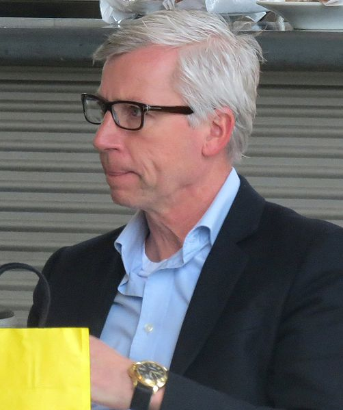 #101ThingsAlanPardewDoes gives us an insight into what type of man Newcastle Alan Pardew is