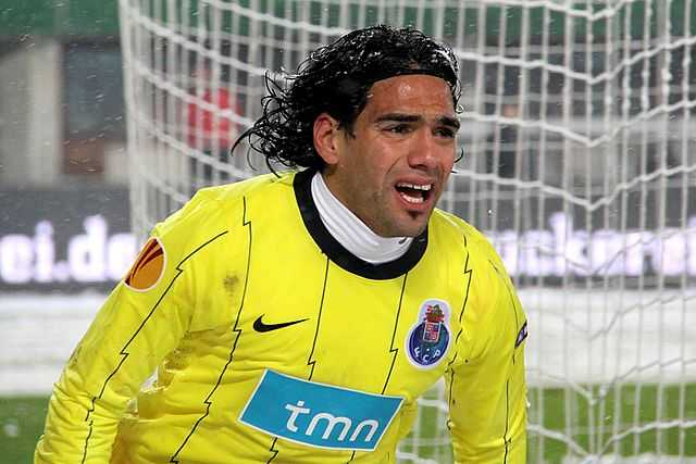 Falcao joins Man Utd in a £6m transfer from this photo