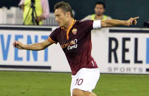 The legend received a warm bundle of Francesco Totti tweets and jokes after he scored against Manchester City and became the oldest Champions League goalscorer