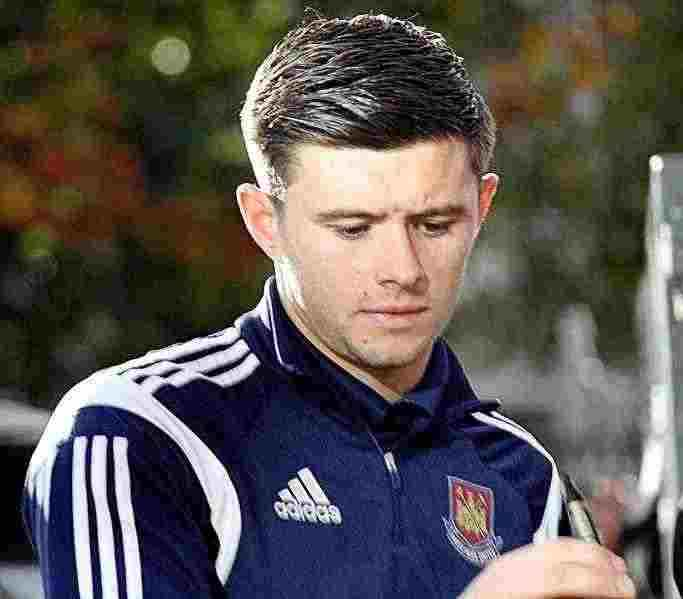Aaron Cresswell, one of our Fantasy Premier League tips Gameweek 14 defenders
