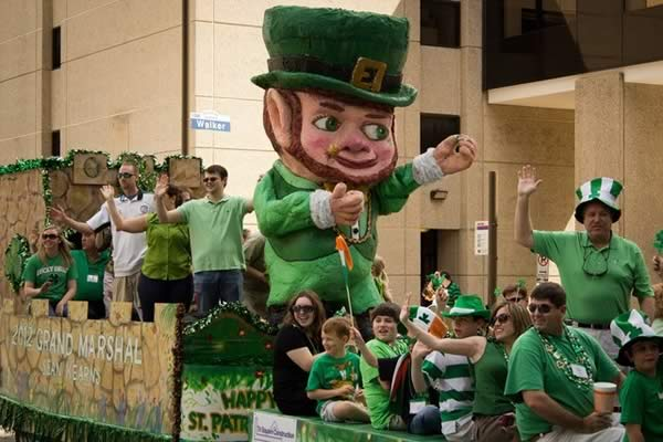 The whole parade can laugh at the jokes as Ireland qualify for the Euro 2016 knockout stage after a 1-0 win over Italy
