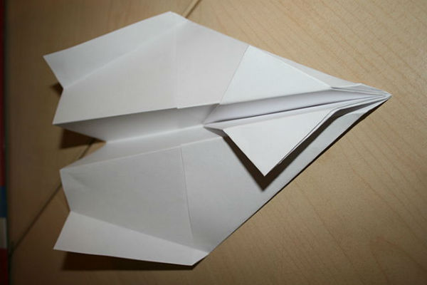 A paper aeroplane like this found the net at Wembley