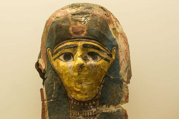 An Ancient Egyptian represents these Saudi Arabia 2-1 Egypt jokes