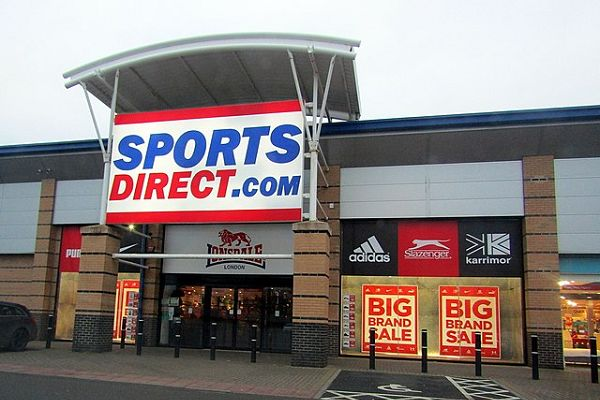 A Twitter user argued with a Mike Ashley parody account after his attempt to keep Sports Direct shops open in lockdown