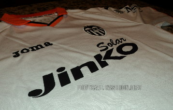 Valencia CF 2013/14 Joma Home Football Kit / Soccer Jersey / Camiseta