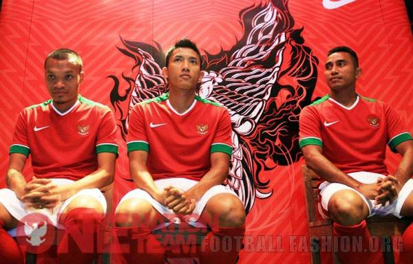 Indonesia 2014 2015 2016 Nike Home and Away Football Kit, Soccer Jersey, Shirt