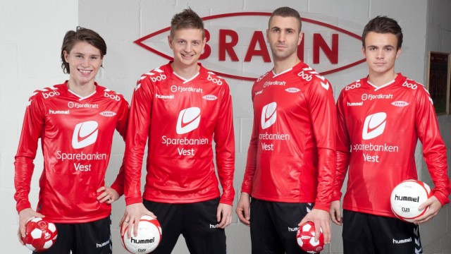 SK Brann 2015 Rubber hummel Home Football Kit, Soccer Jersey, Kit, Hjemmedrakt
