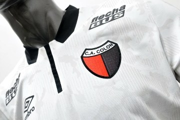 Colon de Santa Fe 2015 Umbro Away Soccer Jersey, Football Kit, Shirt, Camiseta de Futbol