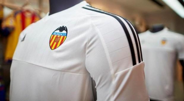 Valencia Club de Futbol 2015 2016 adidas  White Home Football KIt, Soccer Jersey, Shirt, Camiseta, Equipacion