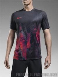 Nike-Football-Soccer-CR7-Savage-Beauty-MERCURIAL-2015 (13)