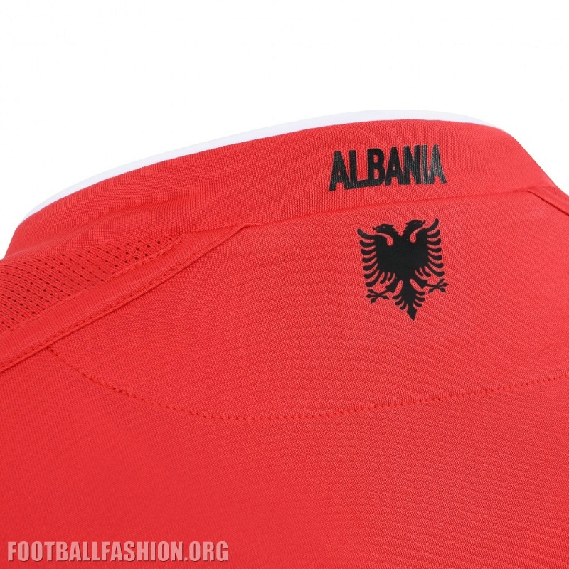 "The phrase ""TI SHQIPЁRI MЁ JEP NDER"" is printed on the inside neck of the "" ALBANIA"" appears on the signoff area at the back of all three shirts. 7bcf47a83"