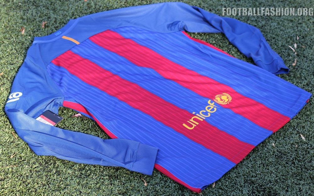 39e5ccff9a1 FC Barcelona is not exception and shares a primary jersey design with the  likes of England