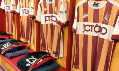 Bradford City 2016 2017 Avec Fourth Football Kit, Soccer Jersey, Shirt