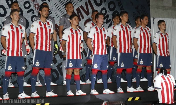 Chivas de Guadalajara 2017 2018 PUMA Home and Away Soccer Jersey, Shirt, Football Kit, Camiseta de Futbol, Equipacion