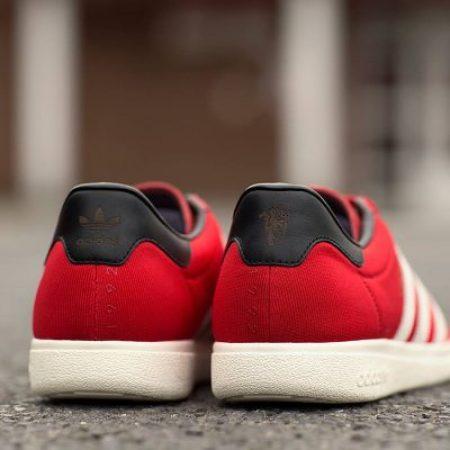 Manchester United adidas Originals Ninety-Two Shoe