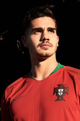 The Portuguese 2018/19 away kit nods to this relentless hunt for fresh talent through symbols from their naval history.