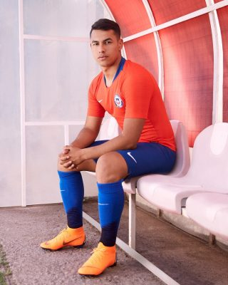 Chile 2018 2019 Nike Home and Away Football Kit, Soccer Jersey, Shirt, Camiseta de Futbol, Equipacion