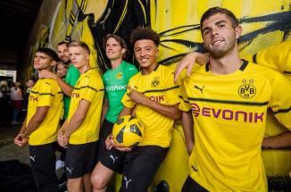 borussia-dortmund-2018-2019-puma-cup-kit (9)