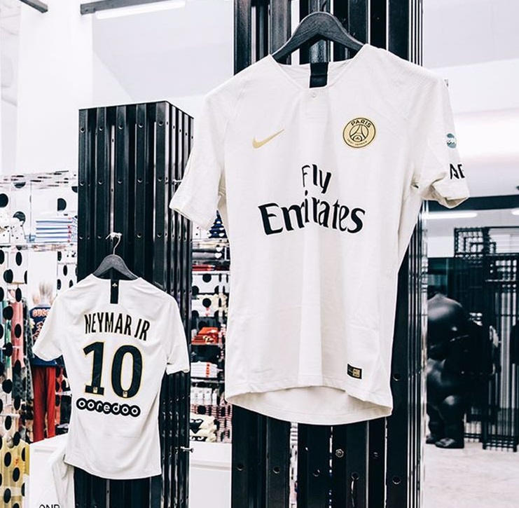 Paris Saint-Germain 2018 19 Nike Away Kit – FOOTBALL FASHION.ORG d8ddeb16b1a07