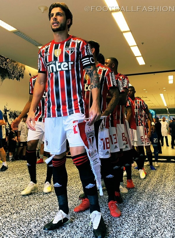 https://i2.wp.com/footballfashion.org/wordpress/wp-content/uploads/2019/04/sao-paulo-fc-2019-2020-adidas-away-kit-4.jpg?ssl=1