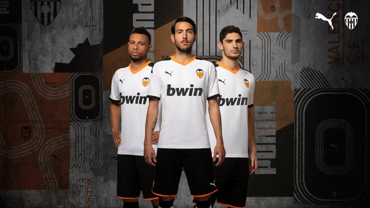 79cd0366a Valencia CF 2019 2020 PUMA Soccer Jersey, Shirt, Football Kit, Camiseta de  Futbol