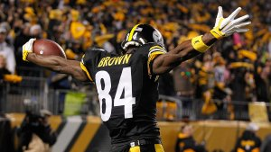 antonio-brown-celebrating